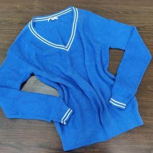 *throwaway price* Uniqlo Blue Sweater, Size L